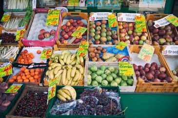 Fruit stand http://barnimages.com/